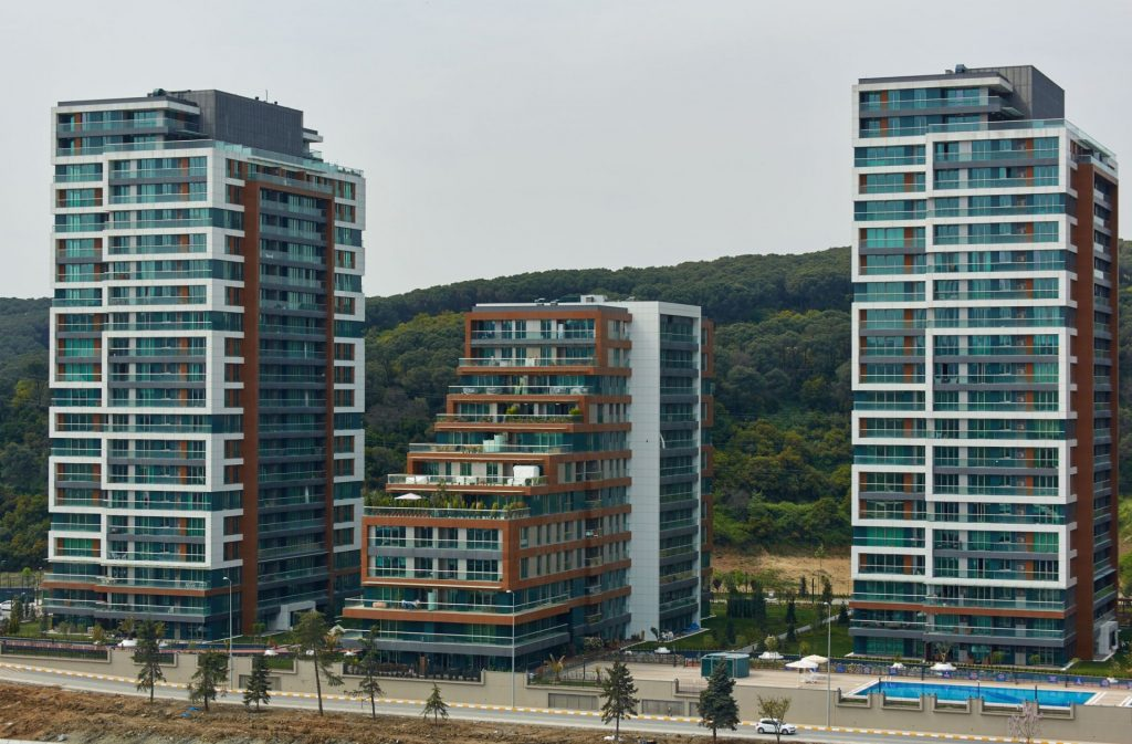 Breathtaking Apartments and shopping Mall in Maslak, Istanbul 1